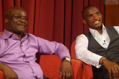 Samuel Eto'o et Roger Milla chantent à l'Olympia avec X Maleya