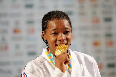 Audrey Tcheuméo, un brin de Cameroun en argent aux mondiaux de judo