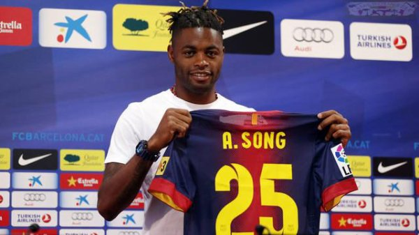 un courtisan de plus pour Alex Song !