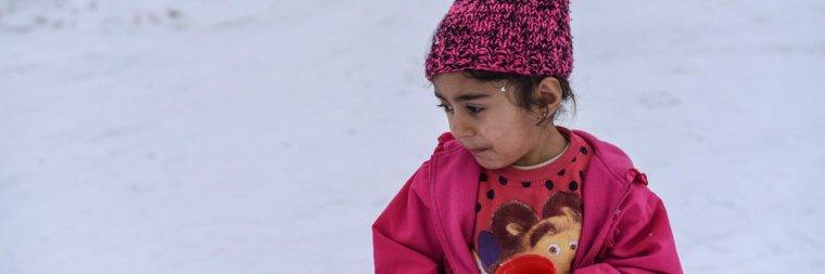Enfants réfugiés et migrants en Europe : en danger face à la vague de froid