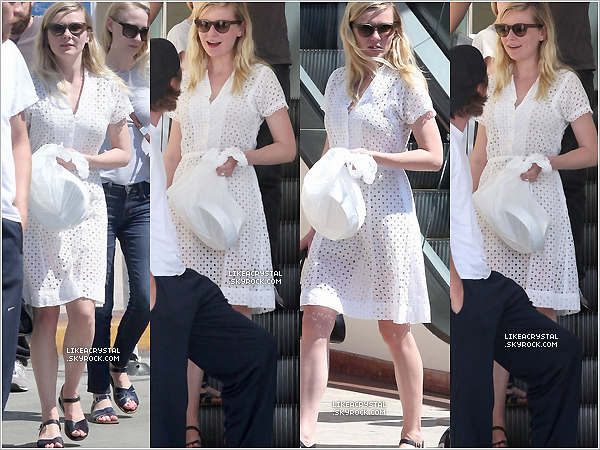 :  12/05/13    Kirsten et Garrett Hedlund ont été aperçue sortant du restaurant « Loteria Grill » à Los Angeles. !