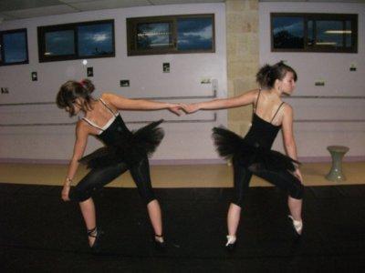 camille et moi à la danse :)