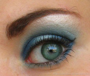 Yeux bleu vert style des stars - Yeux bleu vert gris ...