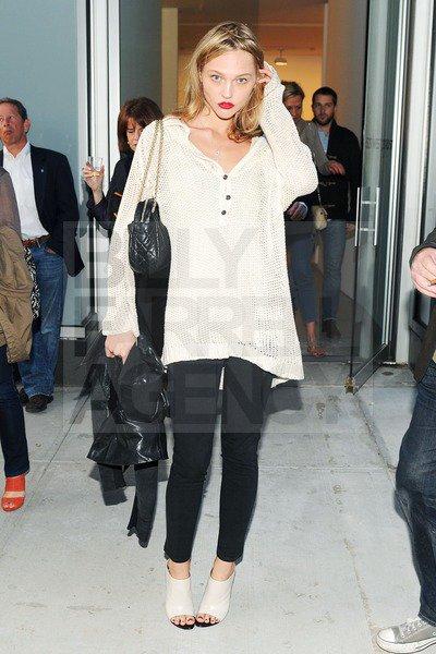 "12/05/2011 • Sasha at ""The Kate Moss Portfolio and Other Stories"""