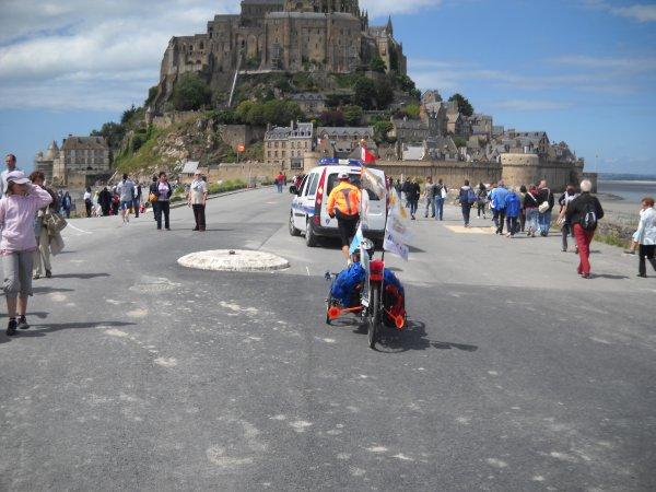44 éme étape:   Pontaubault  au  Mont-St-Michel     18 km (50)