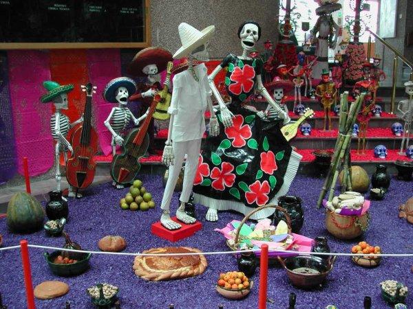 TRADICION DEL DIA DE MUERTOS (TRADICION MEXICANA)