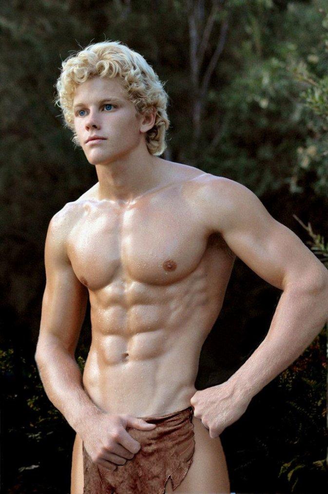 superbe jeune mec blond musclé !
