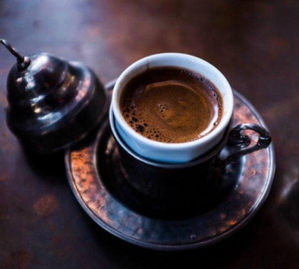 UN PETIT CAFE