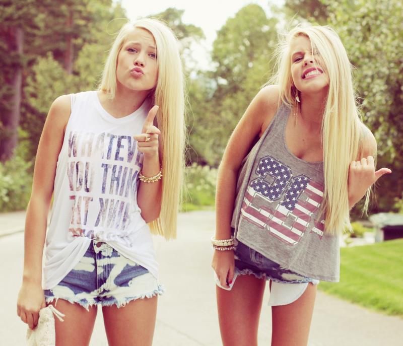 SistersTwins