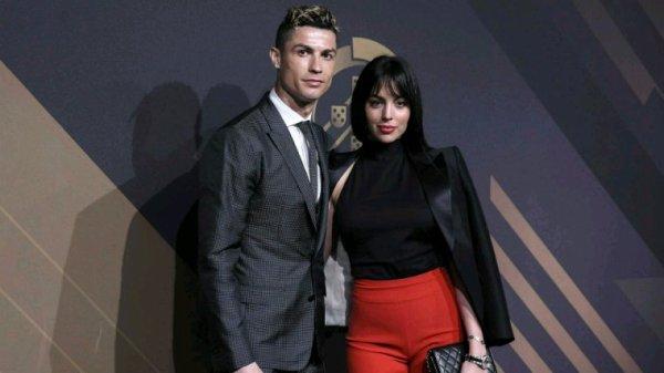 Cristiano Ronaldo remporte le prix du meilleur joueur 2017. Qui lui a décerné la Fédération portugaise de football, a été le grand gagnant de la deuxième édition du Gala Quinas de Ouro.
