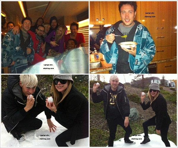 5/6 oct:  A a chanté à Prince George (1) et à Kamloops (2) au  Canada dans le cadre du BS Tour  Découvrez une interview d'Av réalisé fin septembre et de nouvelles photos personnelles.