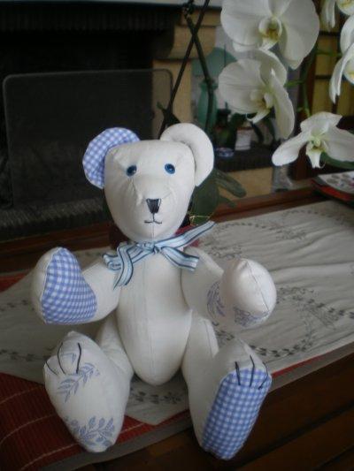 ours bleu
