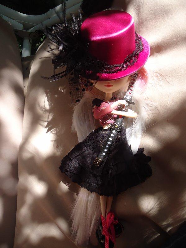Séance photo de Mayumi avec sa custo définitive ( ou pas ^^ )