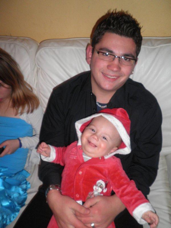 le papa  et mon petit neveux d'amour