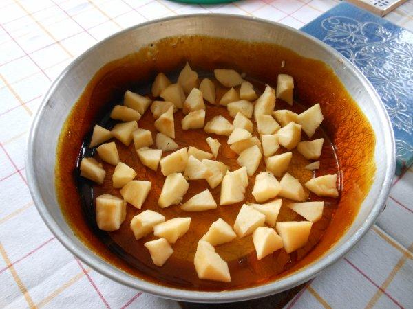 Gâteau renversé aux pommes et à l'orange