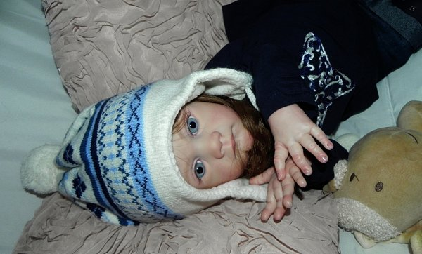 Voici Hope (Espoir) le dernier bébé de 2015 adoptée merci a Fabienne sa maman