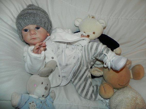 Mathis de Gudrun LEGLER vertitable  bébé d'Amour créé sur commande merci