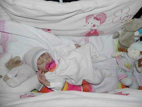 Bébé reborn twin B par bonnie BROWN, chut elle dort