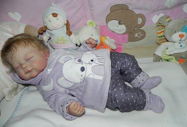 Manon bébé d'Amour créer sur commande merci Sabine