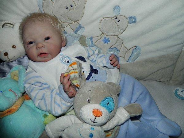 premier bébé de 2017 espiegle Sansa