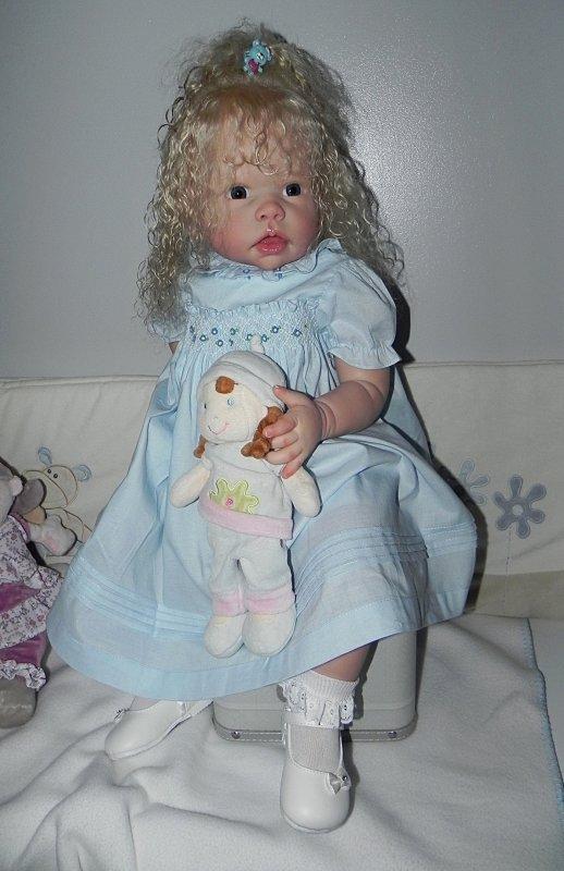 mlle Lilou née du kit Tippi de linda MURRAY, une magnifique demoiselle d'un an