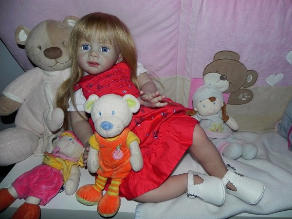 Merveilleuse petite Fridolin  baptisé Johanna, adoptée merci Nicole