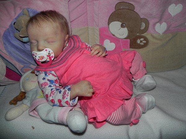 Petit ange ...chut elle dort adopté merci a Arlette