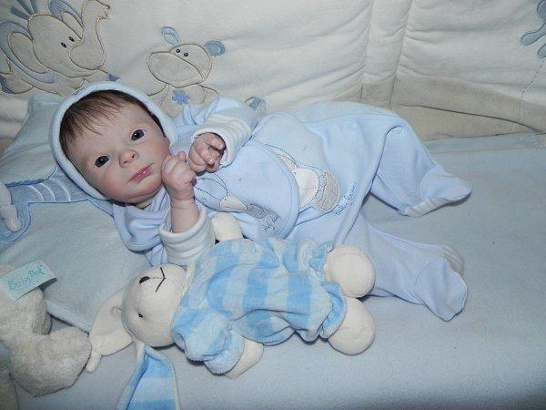 Victorien petit prince d'Amour merci a sa maman