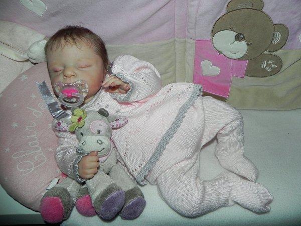 merveilleuse Zoey reve aux dous bras de sa future maman merci a Martine a sa maman qui l'a adoptée