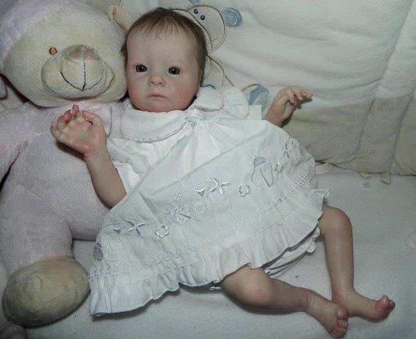 Voici le Fée Clochette (Tink de Bonnie BROWN) elle cherche une maman d'Amour