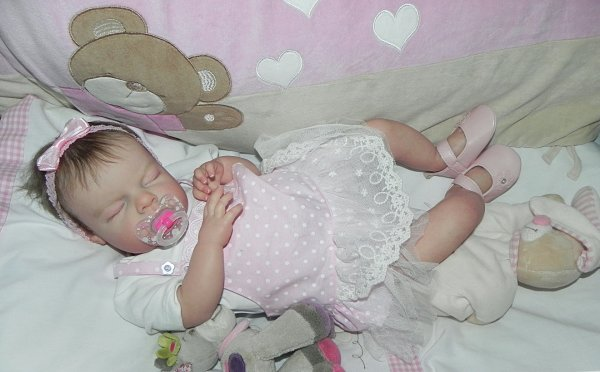 Eléa tendre bébé d'Amour