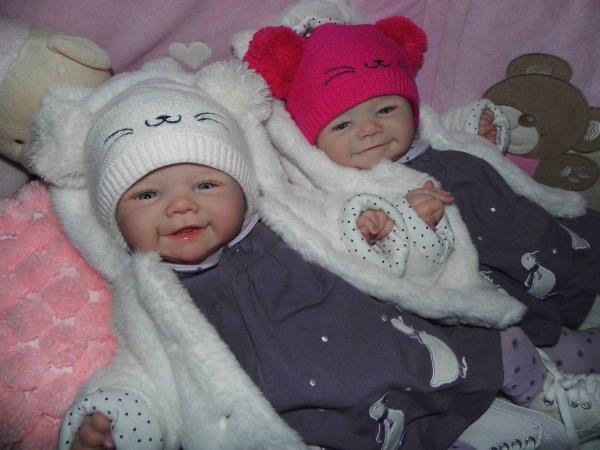 merveilleuse jumelle créer sur commande merci a leur maman