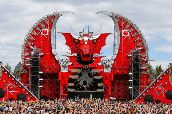 Defqon-1 AUstralia 2012 Official Mainstage <3