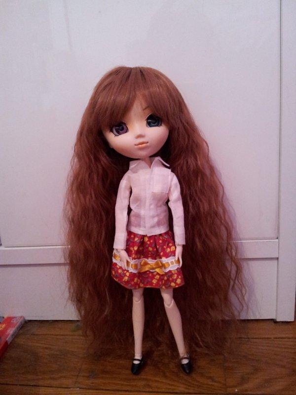 Petites photos de Reina dans la tenue que j'ai achetée le 07/11/2012