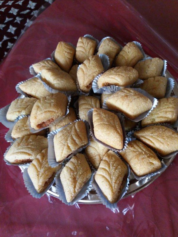 makrout aux amandes (laasel)