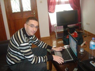 Moi et mon PC dont je ne me separe jamais....