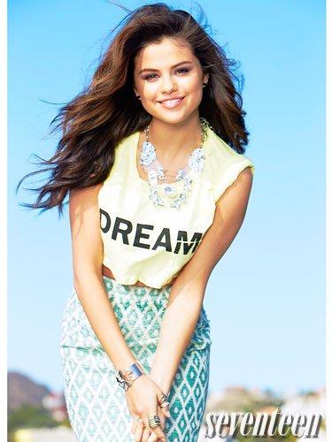 (le blog reprend enfin après 1mois d'absence) Photoshoot de notre sublime Selena pour Seventeen magazine