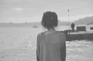 Sauter d'un pont d'étoiles et plonger dans le rêve.