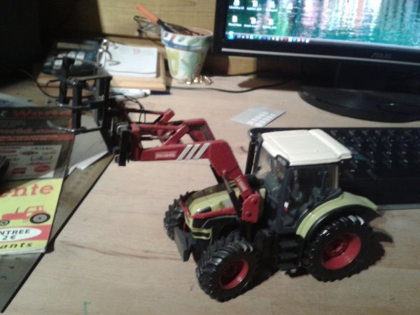 claas avec chargeur mailleux