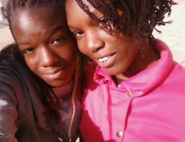 HeNdA  &  MoOi