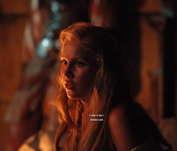 - Still de l'épisode 4 saison 4 de Vampire Diaires.-