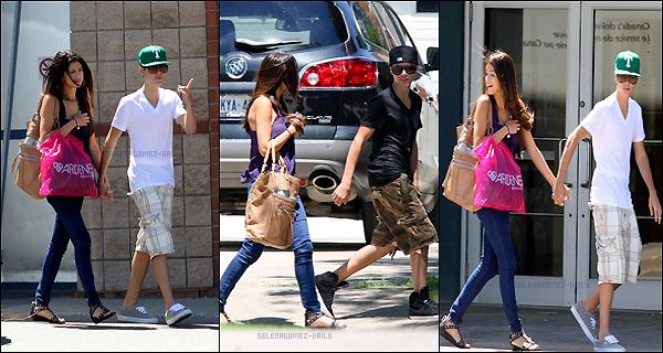 "* 1er Juin - Selena allant faire du shopping à Toronto Avec son "" petit ami "" .*"