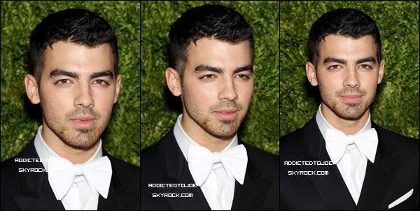14 novembre 2011 : Notre Danger a participé à la soirée CFDA / Vogue Fashion Fun Awards à New-York hier. Découvrez plus de photos en cliquant sur l'image !