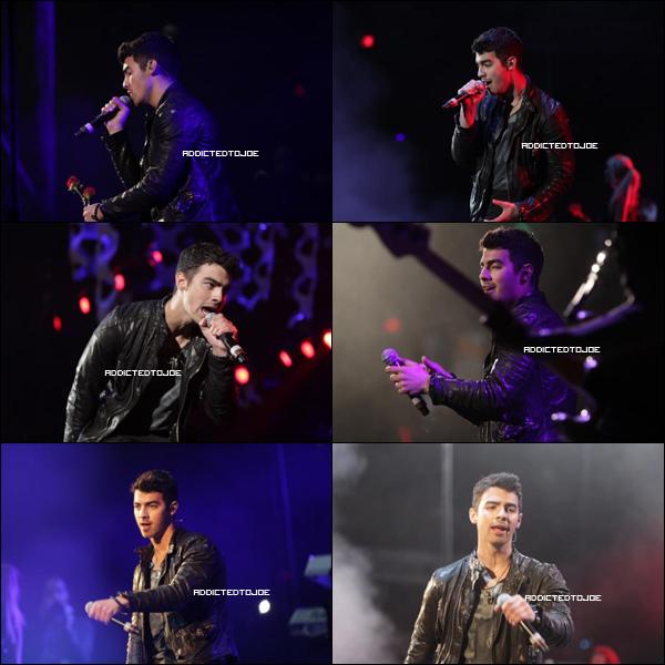 17 décembre 2011 :Une nouvelle chanson des Jonas Brothers vient de faire son apparition sur la toile. Régalez-vous en l'écoutant !