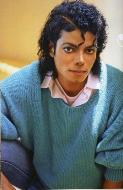 __________________________________________________________________________________________ Michael Jackson (L)     __________________________________________________________________________________________