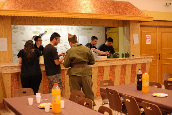Exposition du 22 avril à Ebersviller : Le service café est assuré