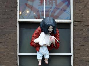 >> Janet Jackson : elle va faire un concert au Louvre ! + Michael Jackson : Deux statues à son effigie provoquent la colère à Londres !