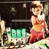 .  23/04/12 : Ashley a posté une nouvelle photo de sa nièce Mikayla sur son compte Twitter.  .