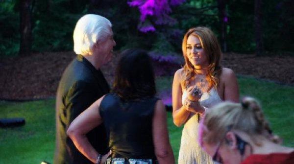 24 Juillet 2011 - Miley quelques photos