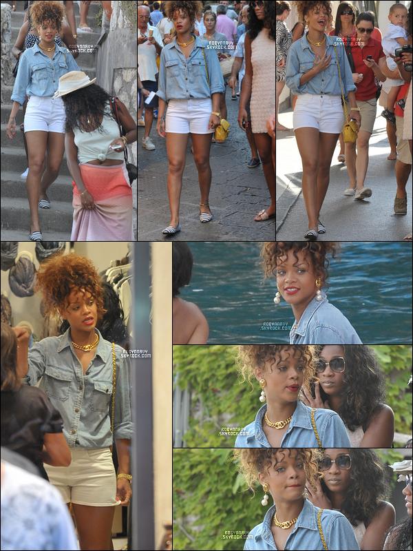 - 29.08.2011 : Rihanna dans les rues de Capri  , Top,bof ou flop ?-